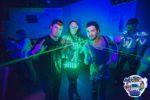 gogo danseuse avec gant laser vert à Laval