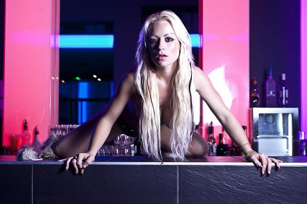 stripteaseuse-domicile-caen-14-calvados